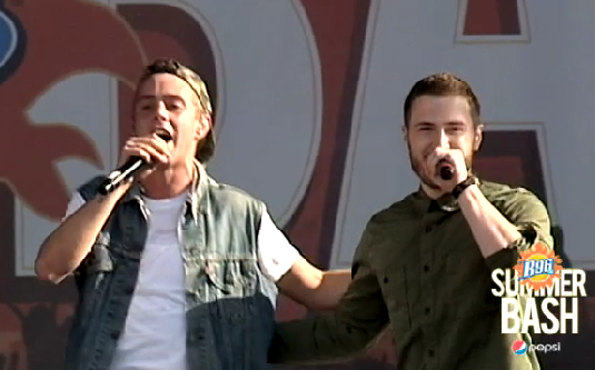 "VIDEO: Sammy Adams & Mike Posner Performs ""L.A. Story"" at the B96 Pepsi SummerBash – June 15"