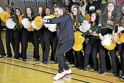 Mike Posner Visits His Alma Mater to Shoot Music Video (The Oakland Press)