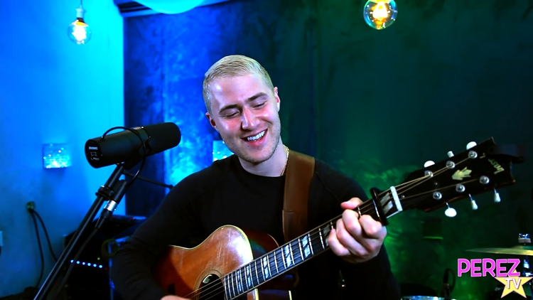 "Mike Posner – ""Be As You Are"" (Perez Hilton Exclusive Performance)"