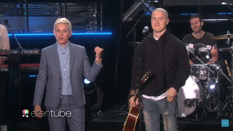 """Mike Posner Performs """"I Took A Pill In Ibiza"""" on 'Ellen'"""