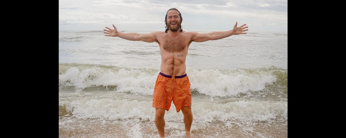 Mike Posner Kicks Off His Cross-Country Walk